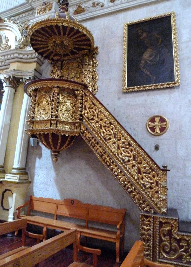 Pulpit con pan de oro